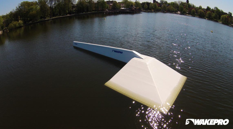 Wakepro obstacles in Ostróda Wakepark