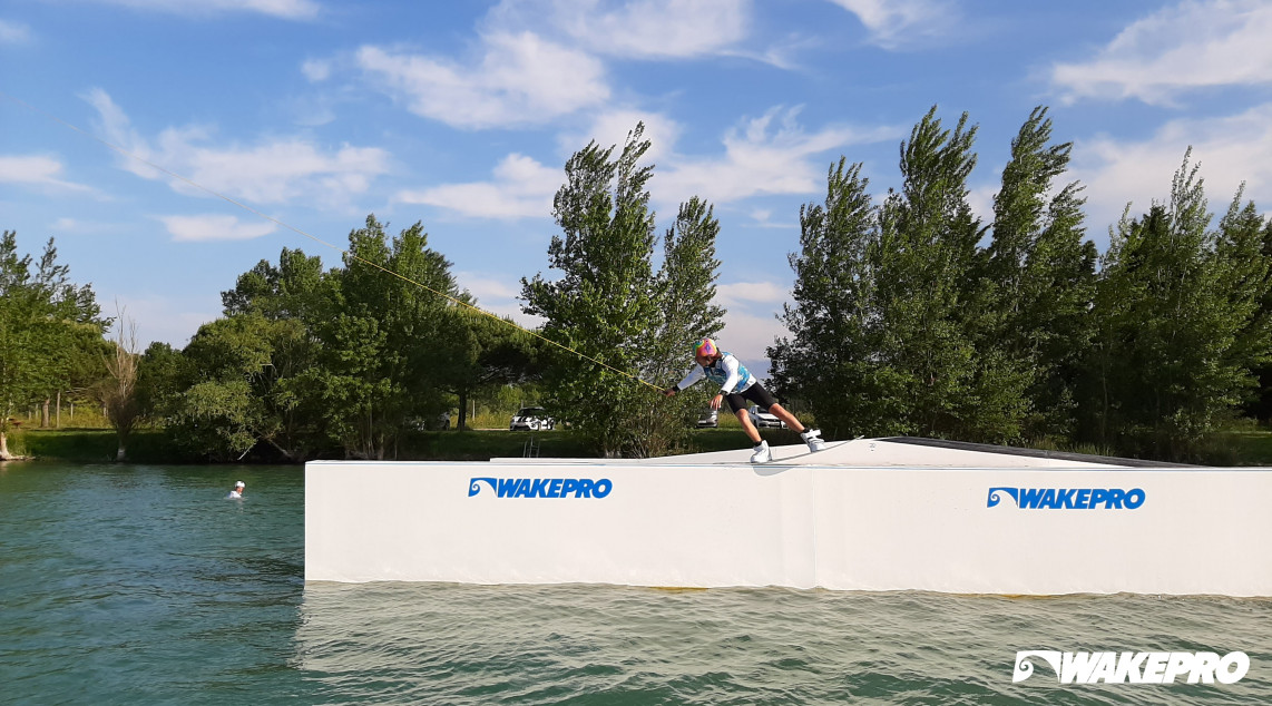wakeboard obstacles